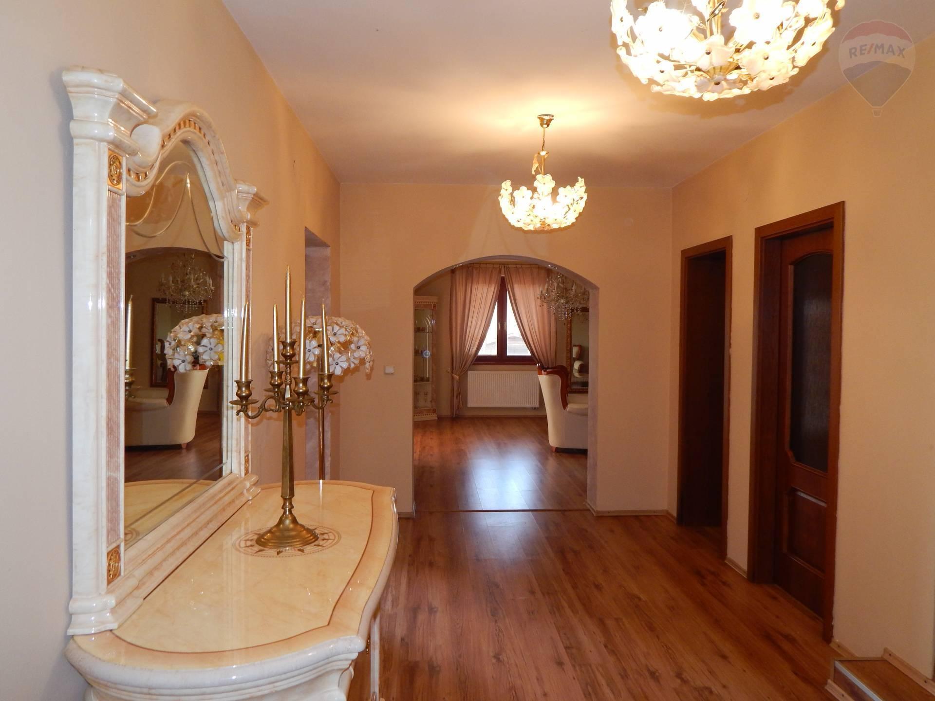 predaj rodinný dom Štúrovo, Sobieskeho