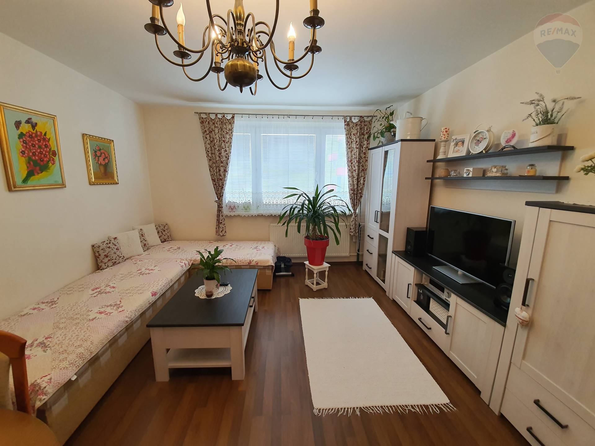 predaj 2 izbový byt Vráble, Sídlisko Lúky