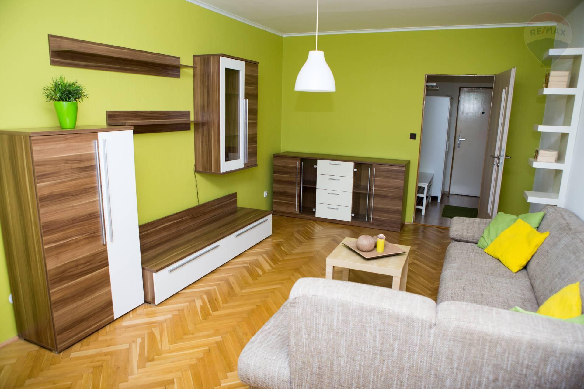 REZERVOVANÉ!! predaj 3 izbový byt Nitra Chrenová, balkón, EXKLUZÍVNE