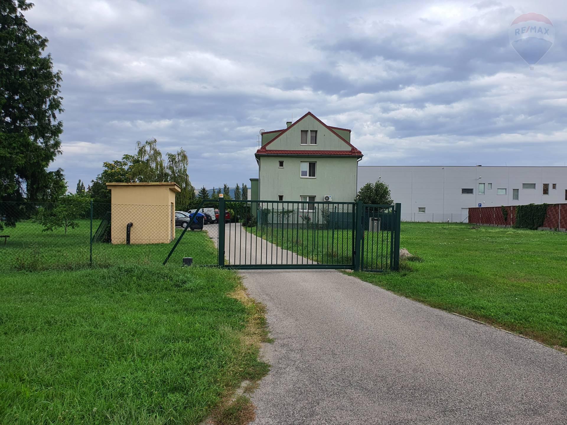 predaj 3 izbový byt Nitra, Štúrova